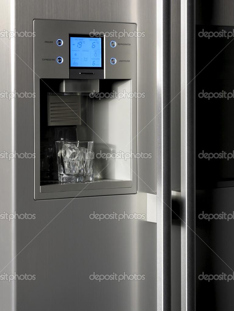 Kuhlschrank Steuerelement Anzuzeigen Und Eis Dispenser Mit Glas