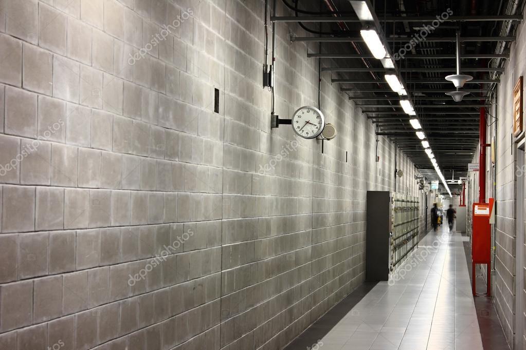 Ingang en gang in een modern gebouw u2014 stockfoto © tlovely #50786153