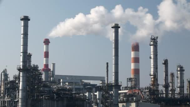 Ölraffinerie - Zeitraffer