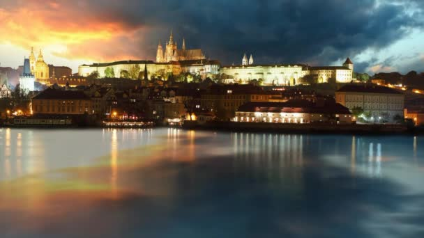 Pražský hrad za úsvitu - časová prodleva