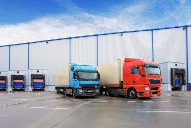 Unloading cargo truck