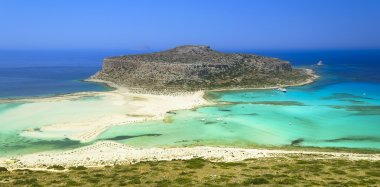 Blue lagoon in Gramvusa, Crete