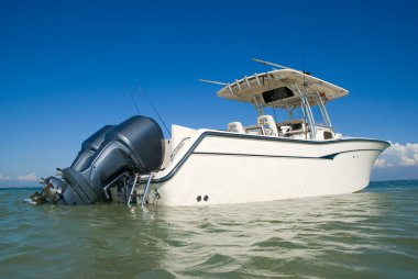 Yachting with an ideal sporty yacht