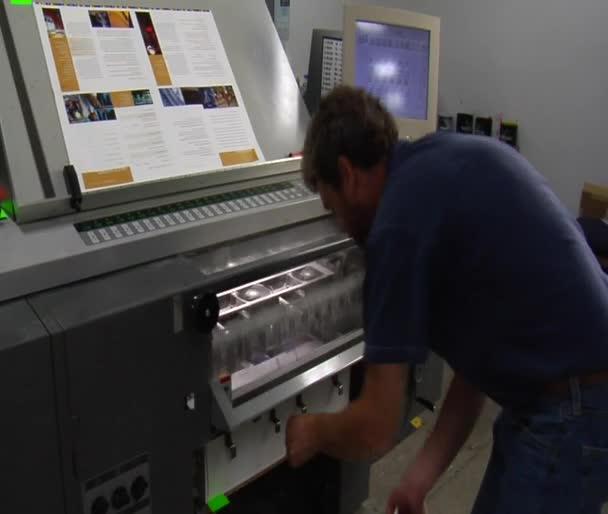 Technika tisku zkoumá finálního produktu