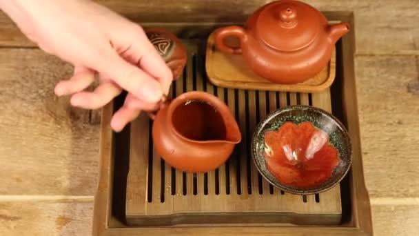 tradiční čínský čajový obřad na tabulce čaj