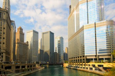 Chicago River titans