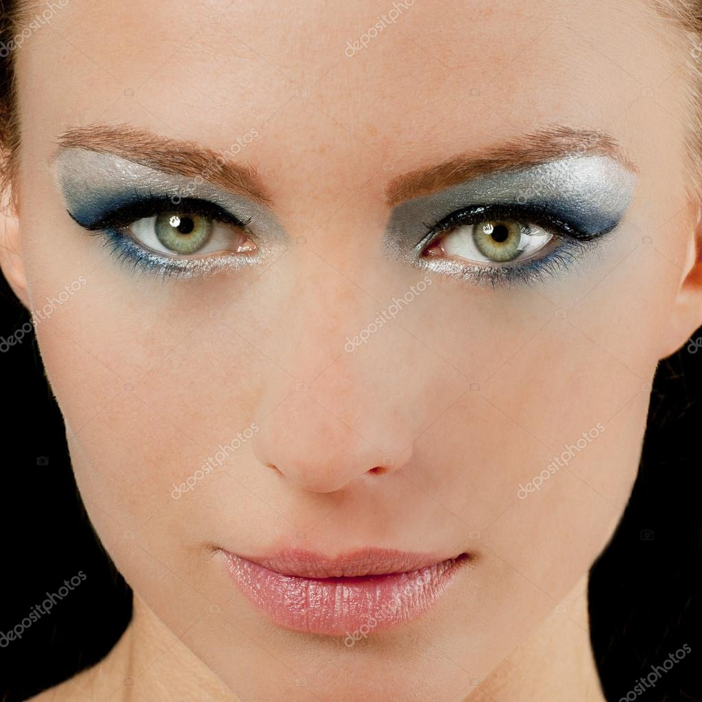 belle femme avec des yeux verts et bleu maquillage photographie jude photo 25596685. Black Bedroom Furniture Sets. Home Design Ideas