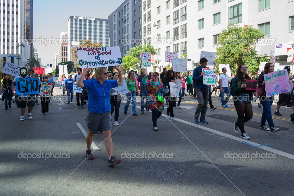 https://st.depositphotos.com/1955233/3321/i/950/depositphotos_33211759-stock-photo-protesters-rallied-in-the-streets.jpg