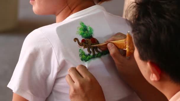 Malerei auf shirt