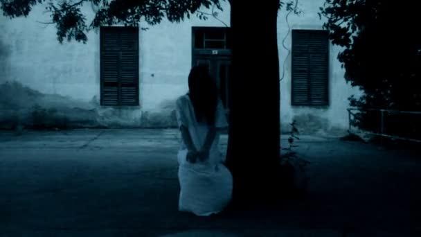 hororové scény scary Woman