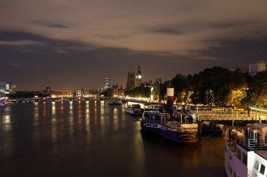 London skyline at night