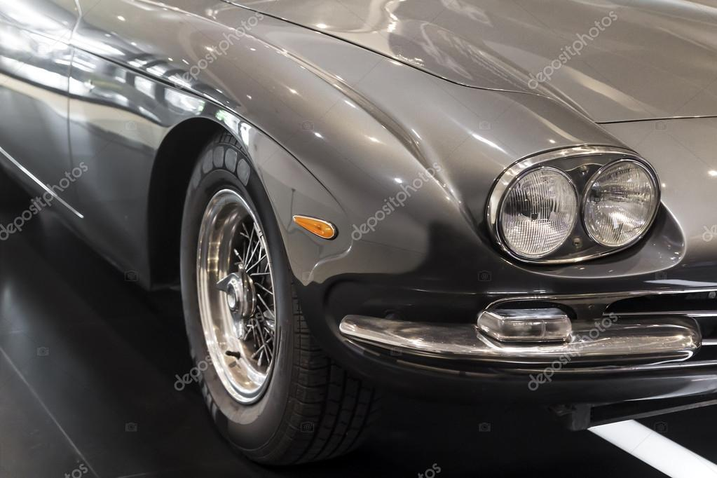 Luxury vintage cars — Stock Photo © Magati #31846343