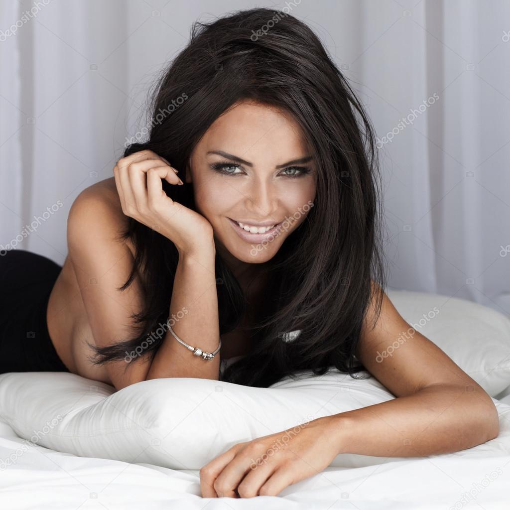 ADDICTED TO BEAUTY   Brunette beauty, Beautiful women