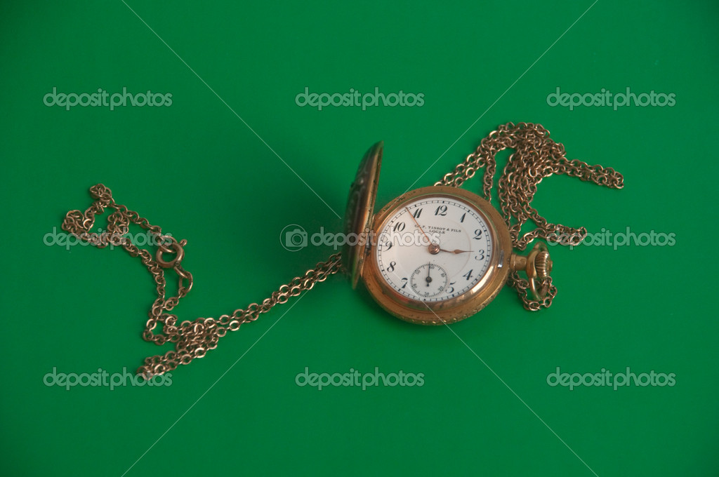 Starožitné zlaté kapesní hodinky. Švýcarské hodinky na řetízku — Fotografie  od ... 798360ac83b
