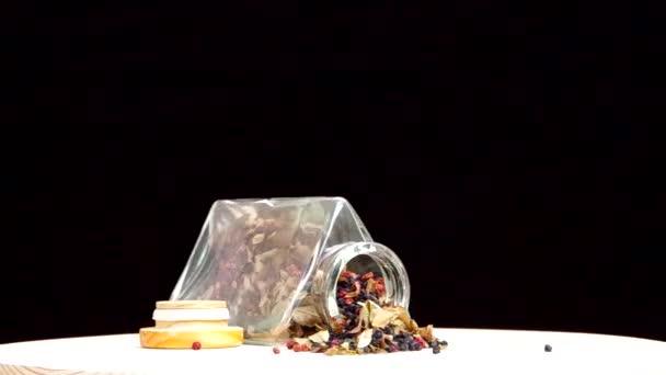 sušené brusinky a borůvky