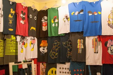 Funny t-shirts with Mickey Minnie Mouse