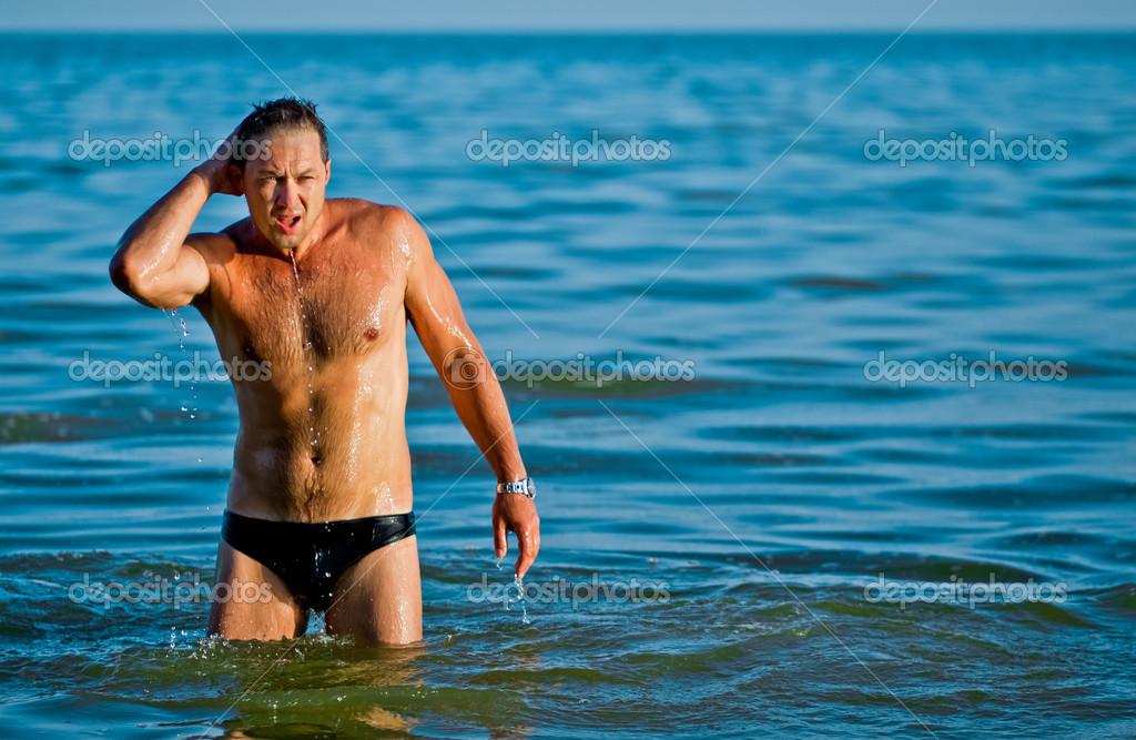 Красивые голые парни на пляже Частное фото 9