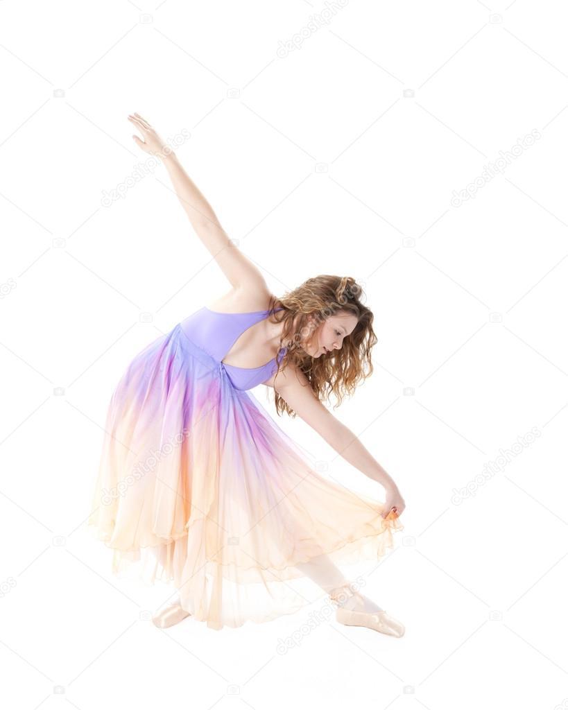 98e9f56b8a Retrato de longitud completa de una bailarina de ballet — Foto de Stock