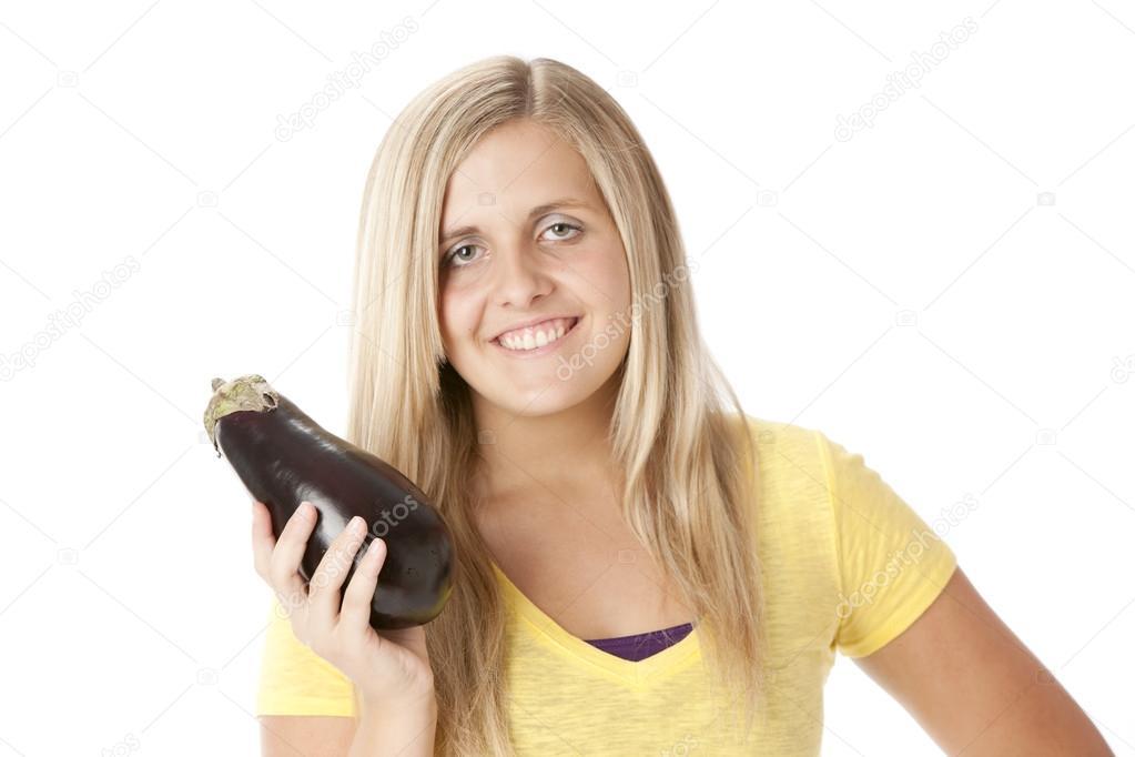Девушка с баклажаном фото 534-995