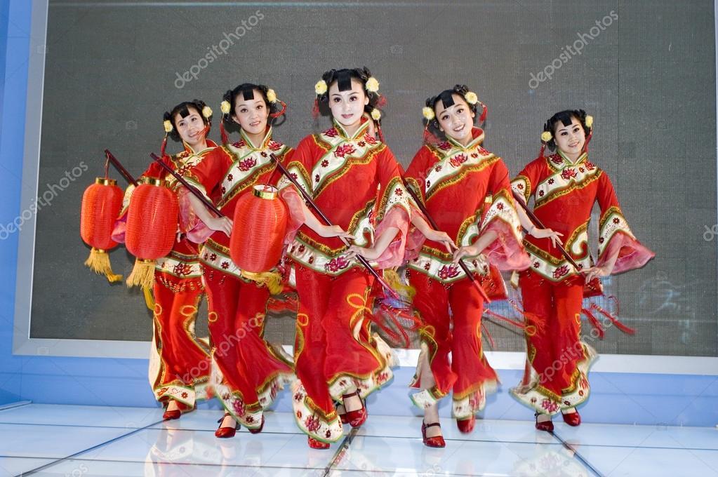 chinese cultuur - dansers uit shanxi – redactionele stockfoto