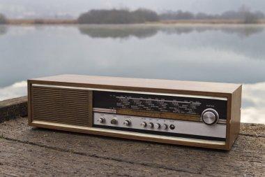 Retro radio receiver