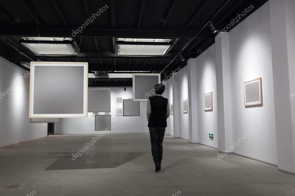 marco blanco en Galería de arte — Foto de stock © wxin67 #26392681