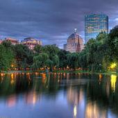 Fotografie Copleyho náměstí v Bostonu v noci