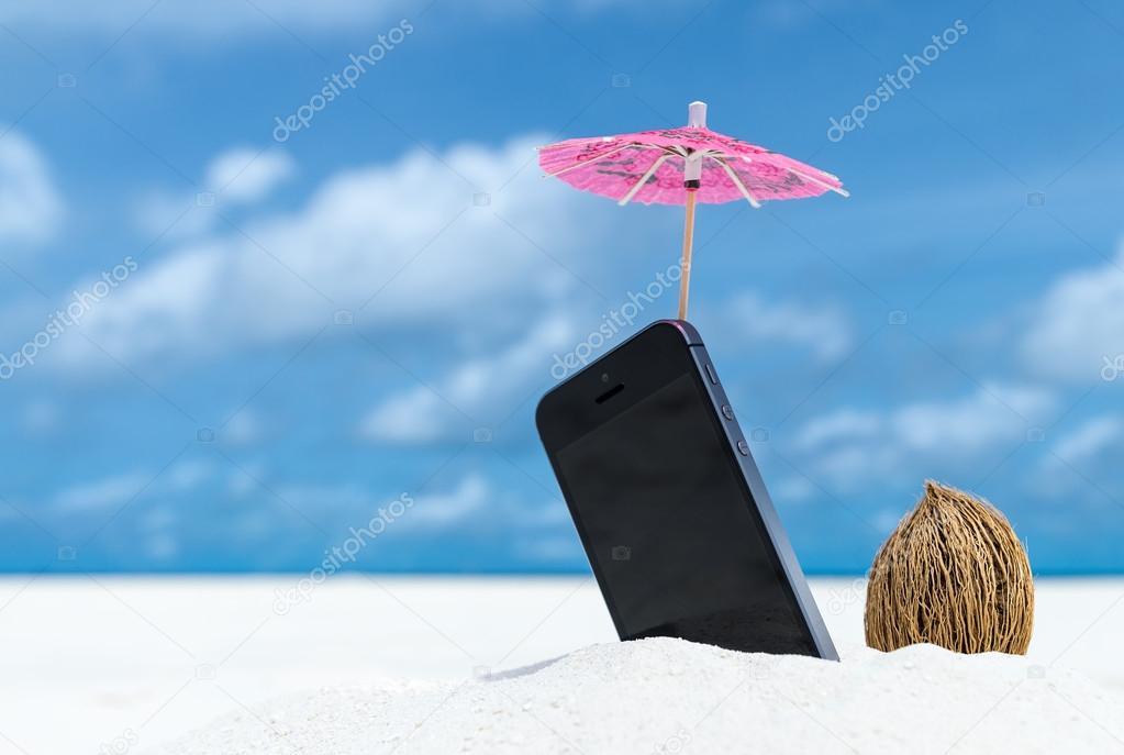 Immagini Spiaggia Telefono Telefono Cellulare E Cocktail Ombrello