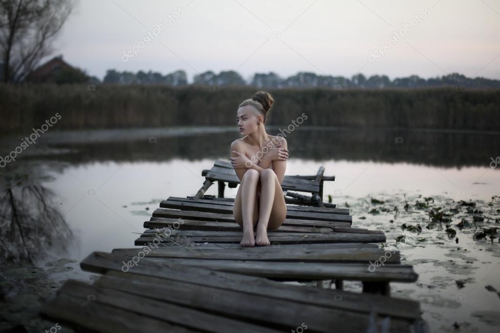 На пруду девки фото, скрытая камера в армии порно