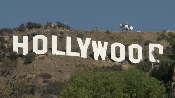 Hollywood podepsat