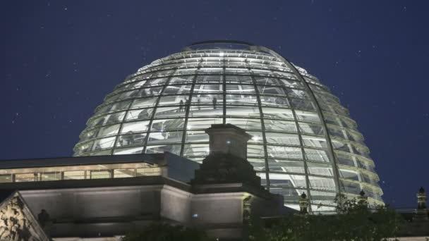 Unike Glas Kuppel Reichstag in berlin — Stockvideo © Sehenswerk #20308315 UH-09