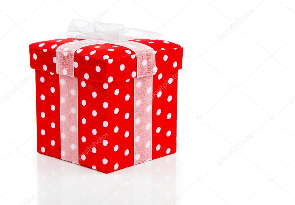 Scatole Regalo A Pois.Scatola Regalo Rosso Pois Su Sfondo Bianco Foto Stock
