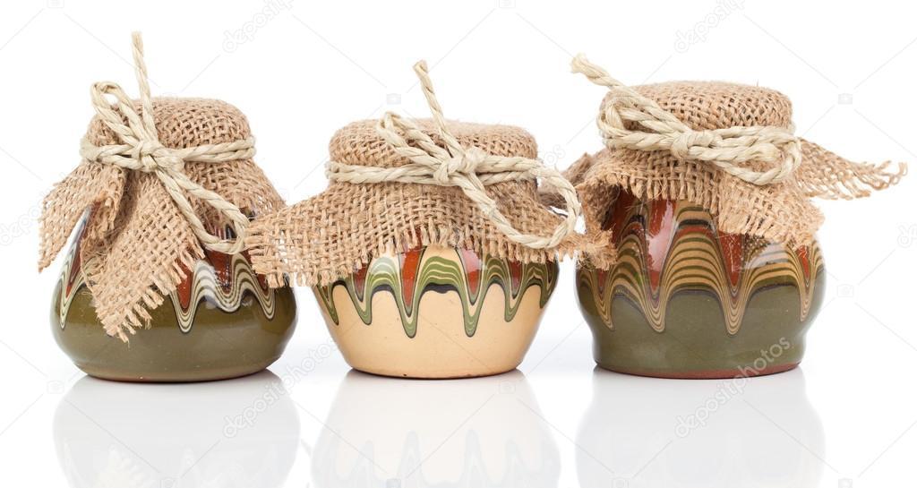 utensilios de cocina antiguos, jarro (ollas de barro), sobre fondo ...