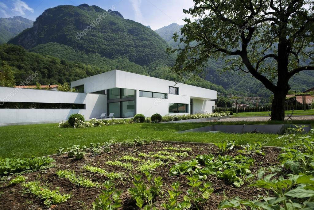 Moderne huis exterieur u2014 stockfoto © zveiger #25446299