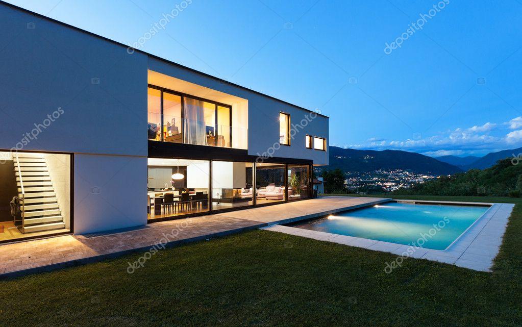 Moderne Villa Per Nacht Stockfoto C Zveiger 29248743