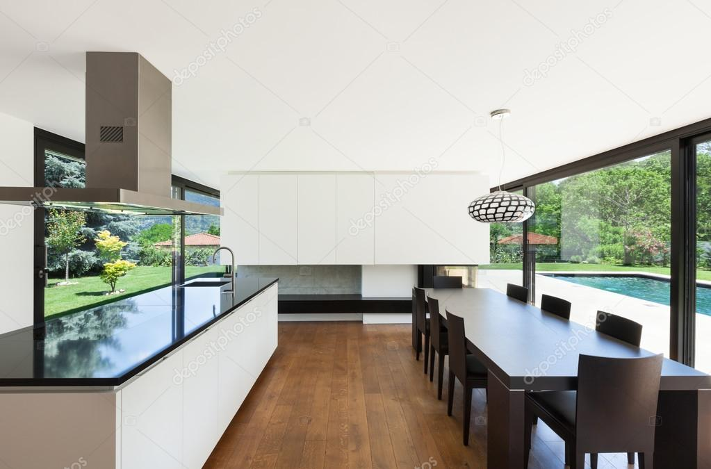 Moderne Villa — Stockfoto © Zveiger #29250813