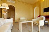 interiérové luxusní byt, komfortní oblek, salonek