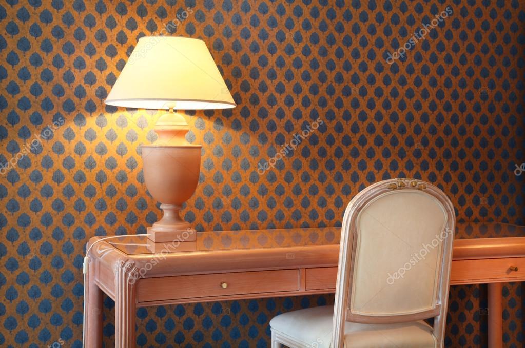 Appartement de luxe intérieur salle de détail lampe de table et