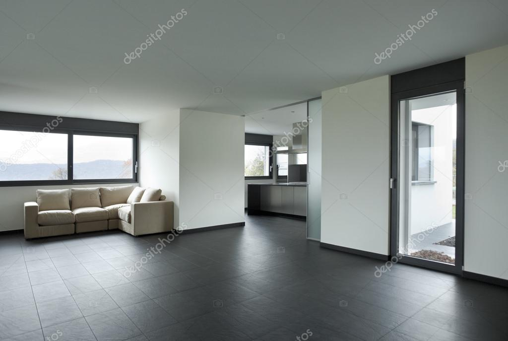Interieur mooi huis u stockfoto zveiger