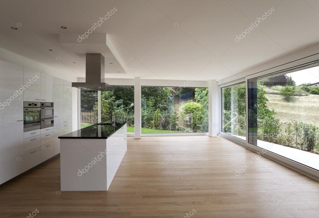 mooi interieur van een modern huis stockfoto zveiger 30678899