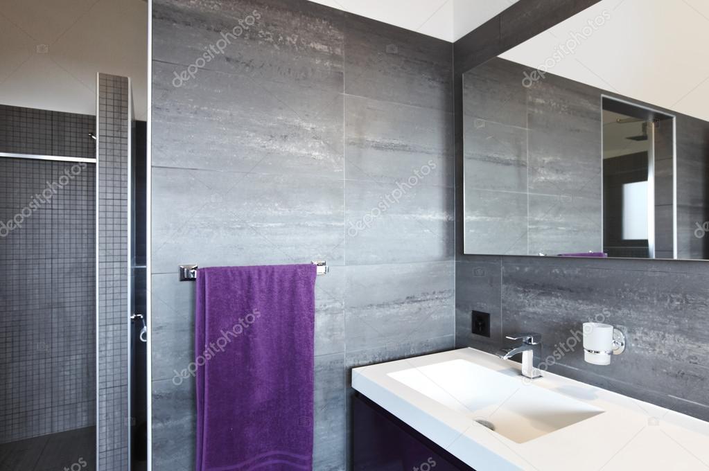 Badkamer moderne hedendaagse architectuur u stockfoto zveiger