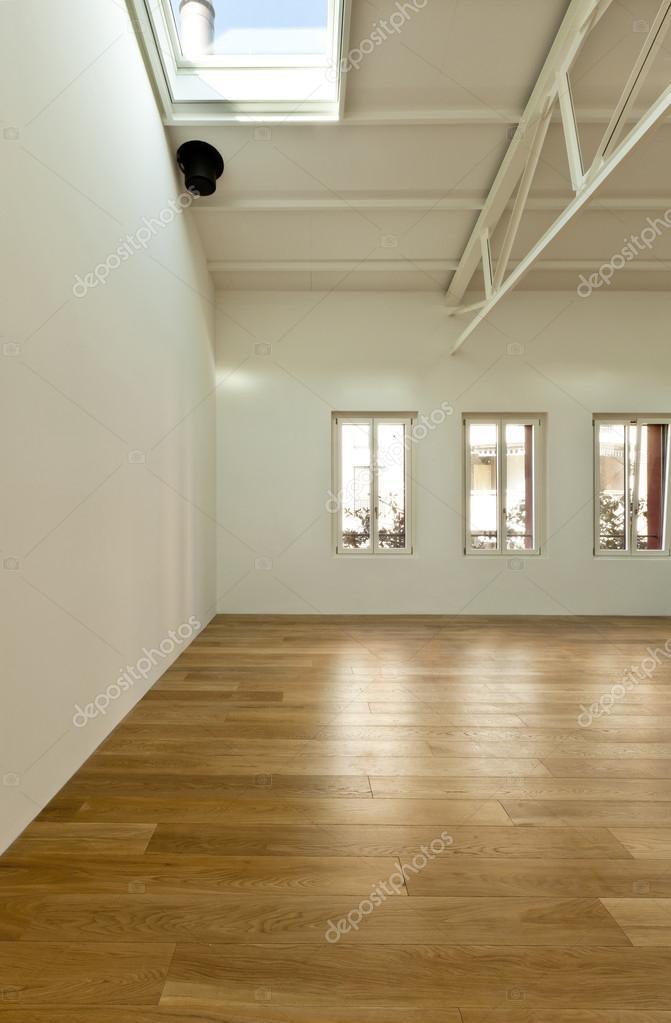 Wohnung mit mezzanine — Stockfoto © Zveiger #34744389