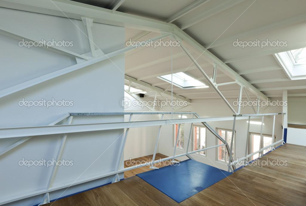 Wohnung mit mezzanine — Stockfoto © Zveiger #34752123