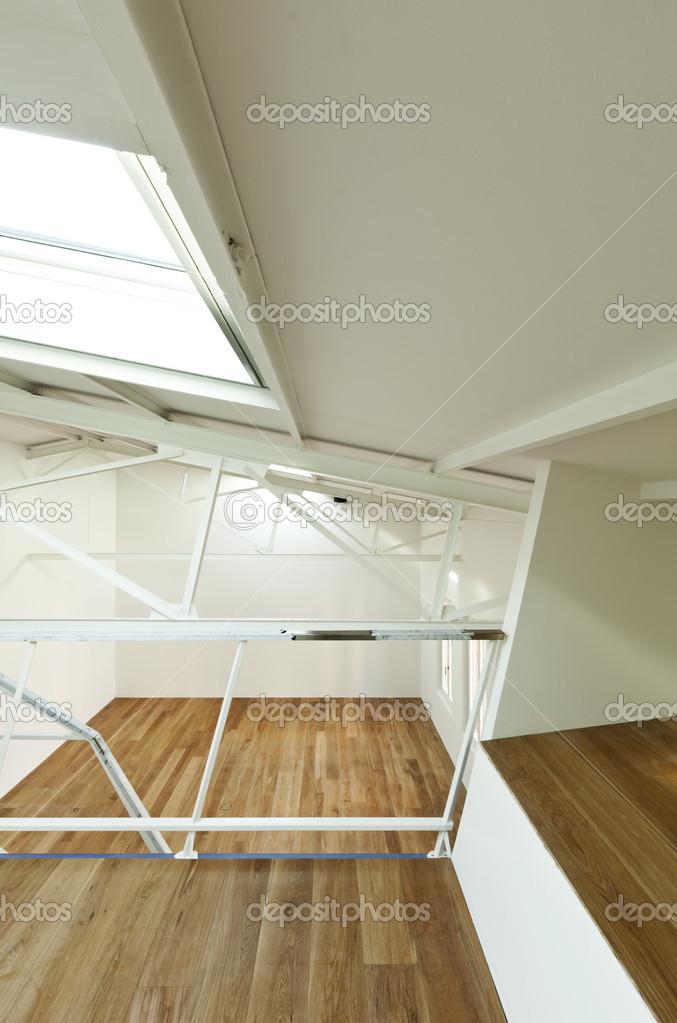 Wohnung mit mezzanine — Stockfoto © Zveiger #34754605