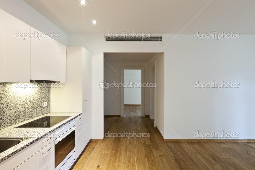 Holzfußboden Küche ~ Haus mit holzboden küche u stockfoto zveiger