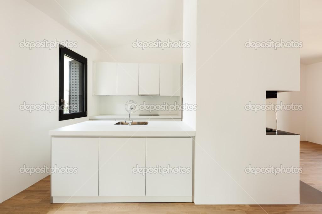 cucina moderna con camino — Foto Stock © Zveiger #43283105