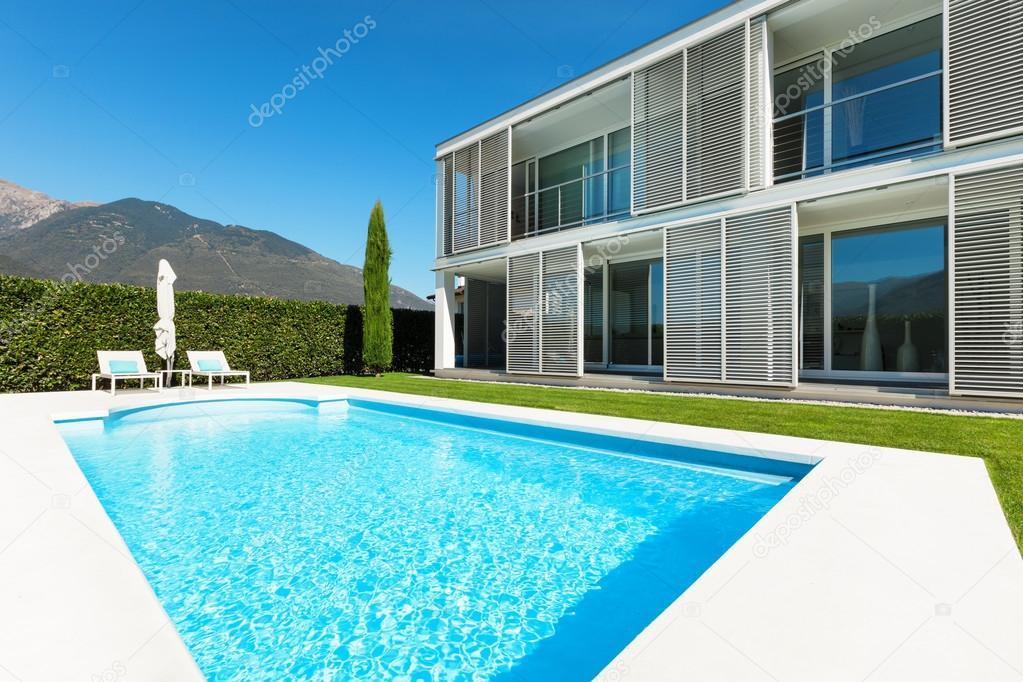 Moderne Villa Mit Pool, Blick Vom Garten U2014 Foto Von Zveiger