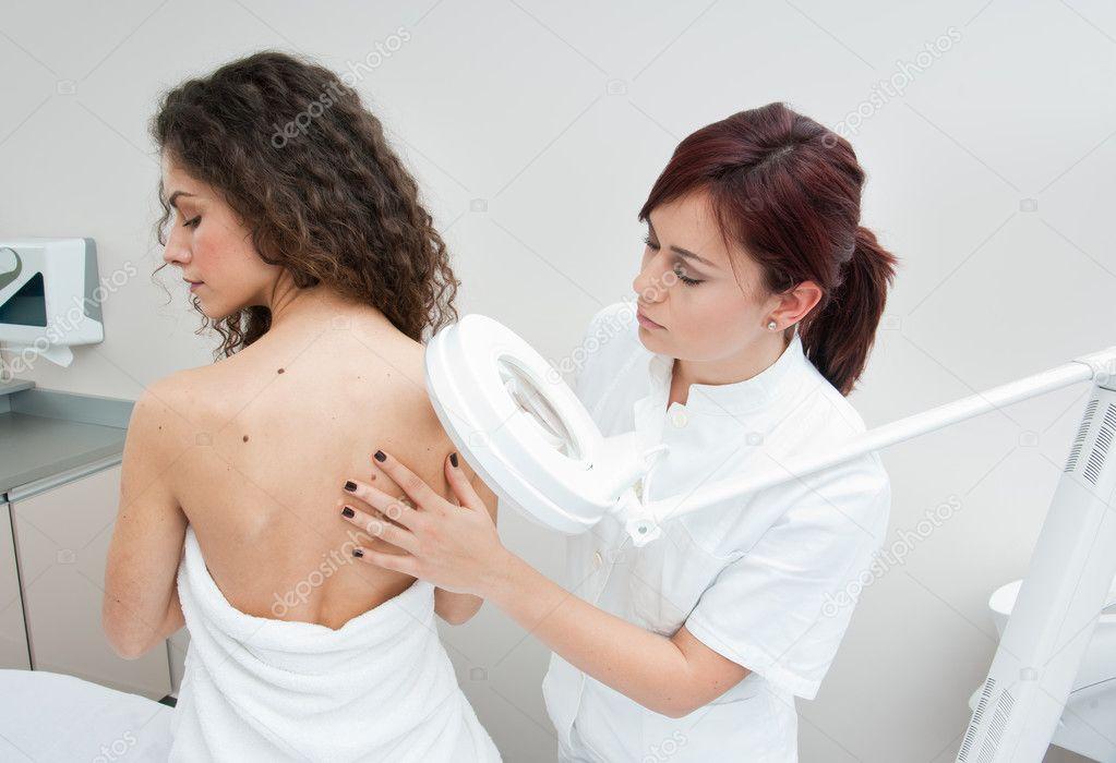 Dermatologista perto de mim médico de cuidado