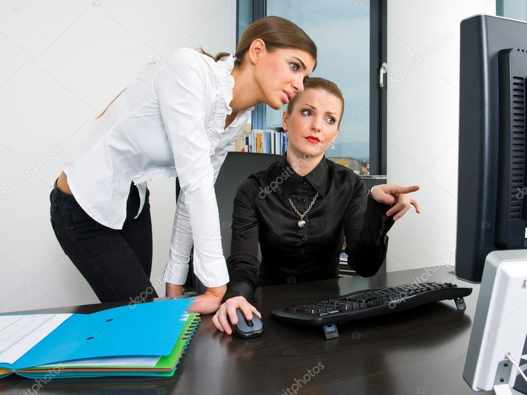 фото раскованная секретарша утешает босса цитировании ссылка