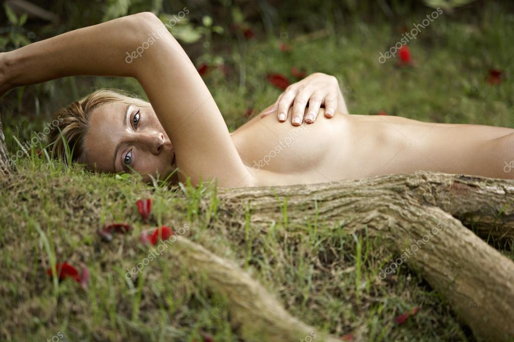 Opinion feetile young woman nudes